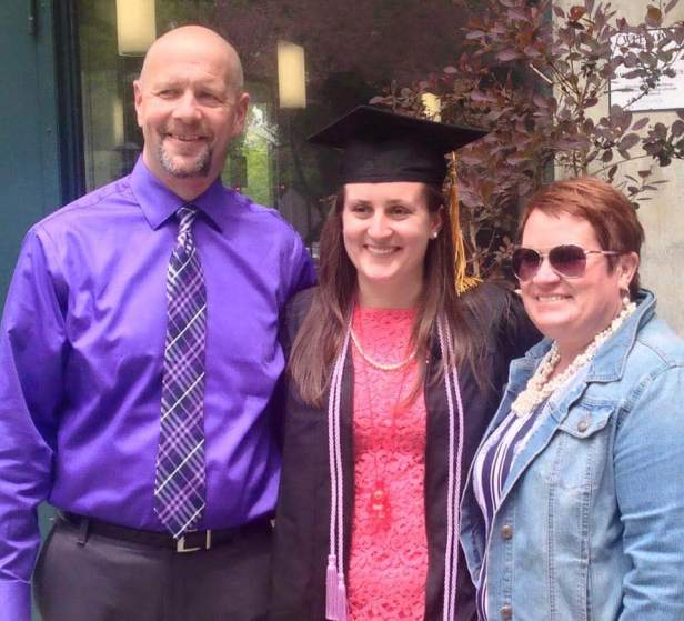 Caelin Mooney along with her father and mother